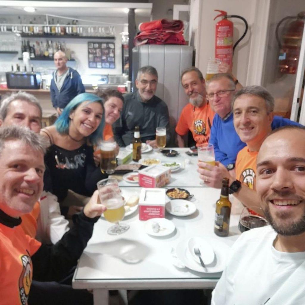 Quitando la carbonilla de la I Media Maratón Carrera Litoral